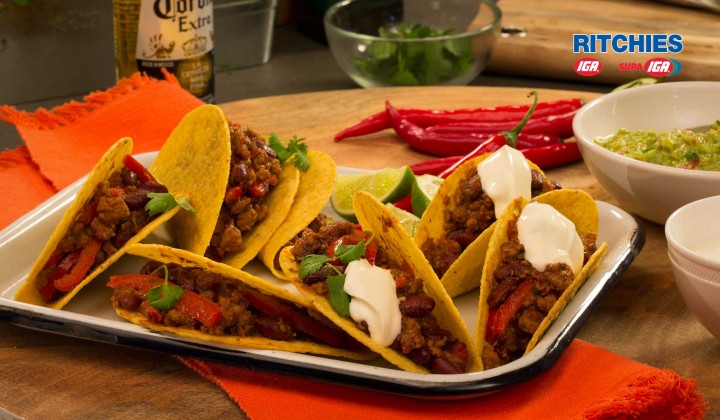 Chilli on carne with guacamole
